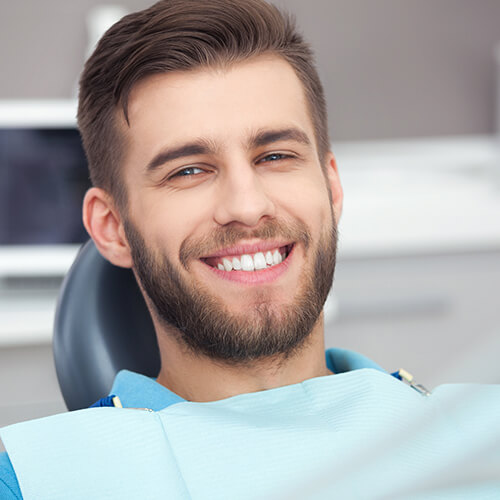 Image of your dentist in CITY using modern technology